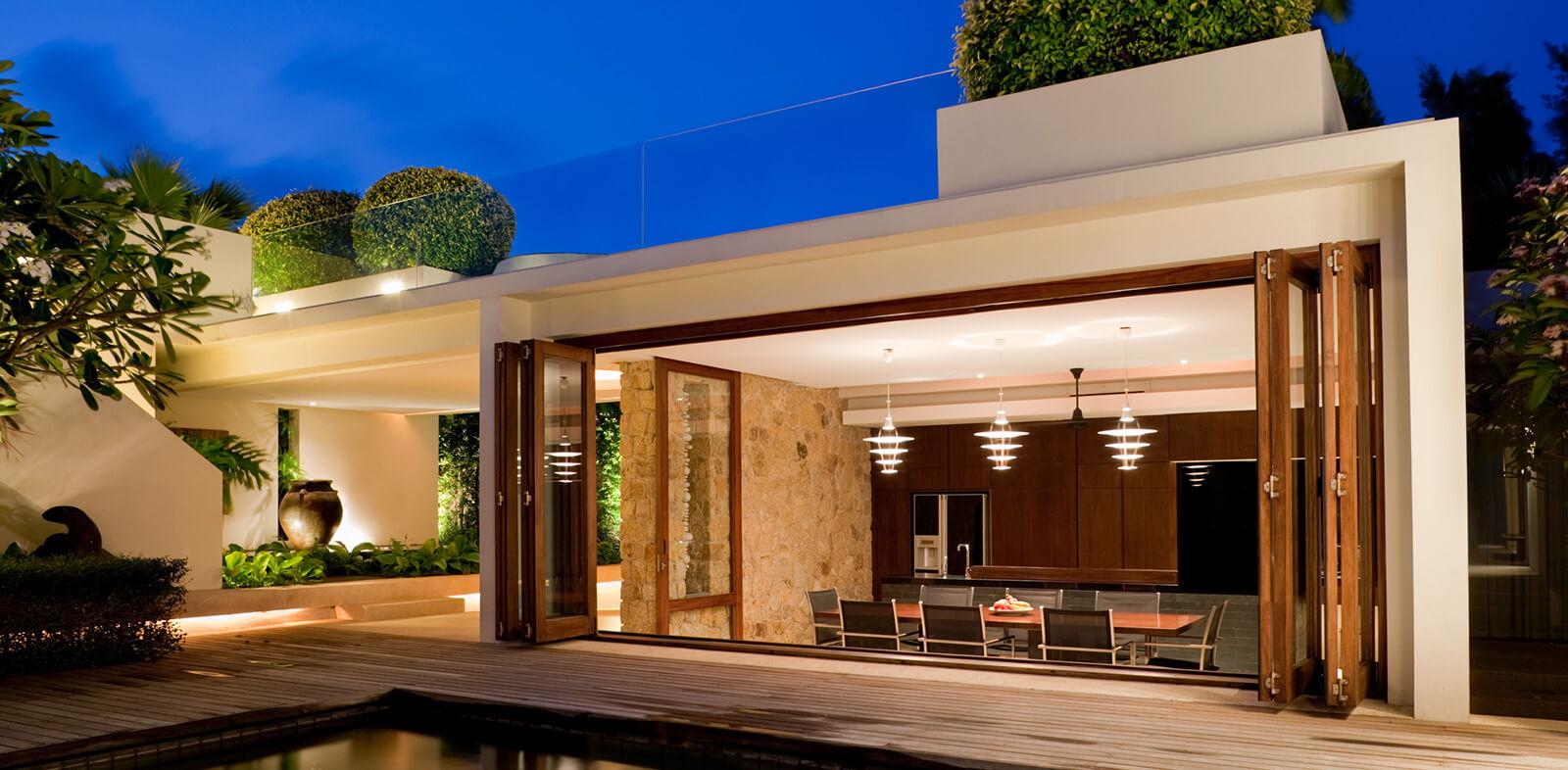 exterior design of luxury home in florida